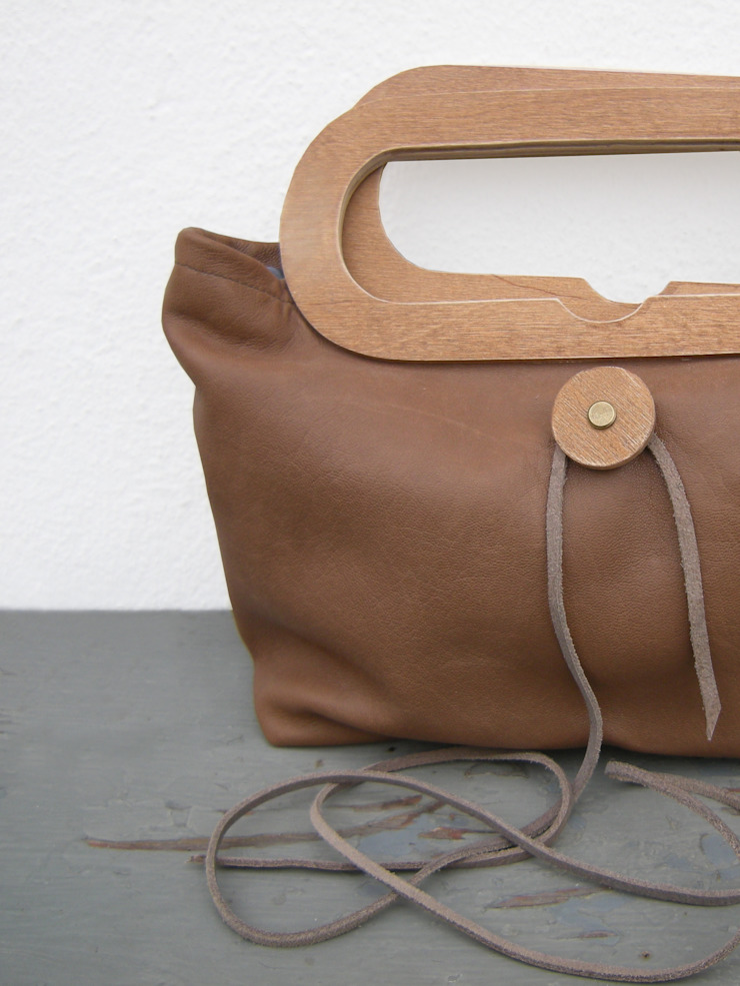 NIPPON handbag van RENATE VOS product & interior design Minimalistisch