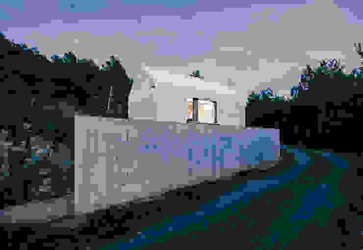 Compact Karst House Nowoczesne domy od dekleva gregorič arhitekti Nowoczesny