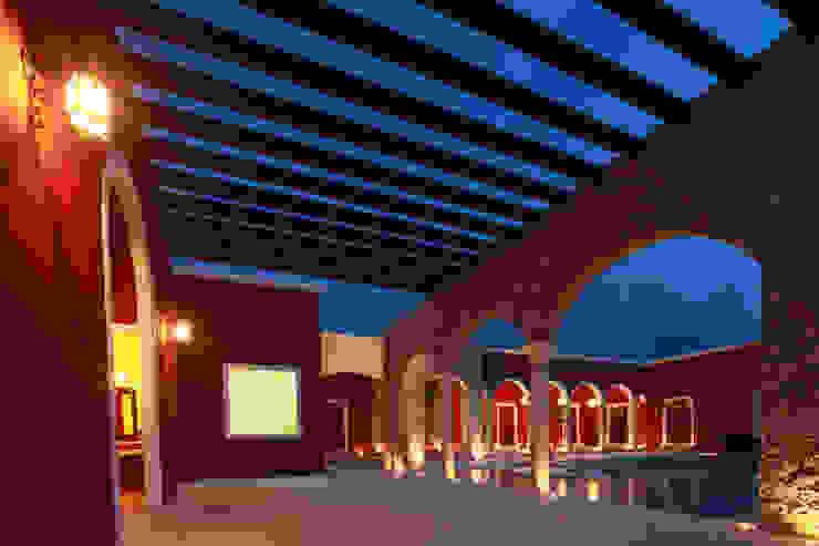Balcon, Veranda & Terrasse coloniaux par Arturo Campos Arquitectos Colonial