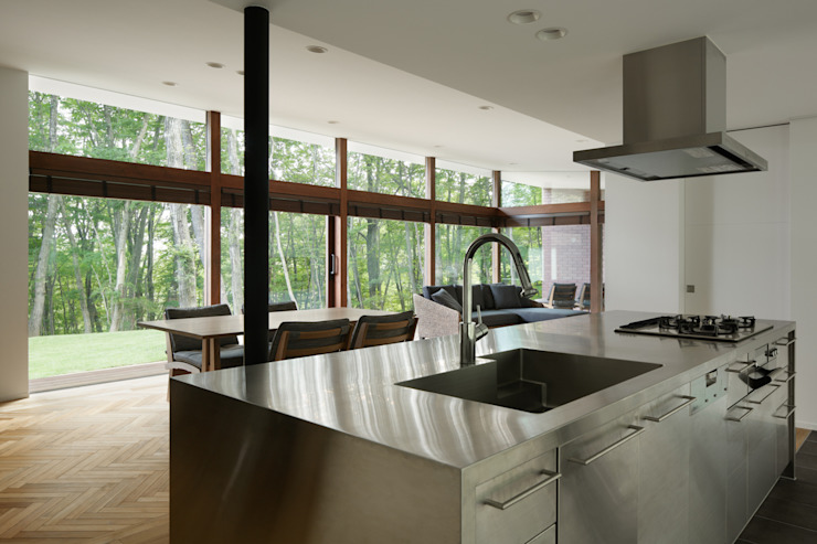 Modern kitchen by atelier137 ARCHITECTURAL DESIGN OFFICE Modern Iron/Steel