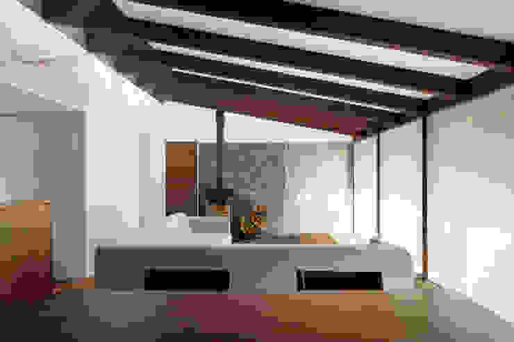 リビング~025軽井沢Sさんの家 北欧デザインの リビング の atelier137 ARCHITECTURAL DESIGN OFFICE 北欧 木 木目調