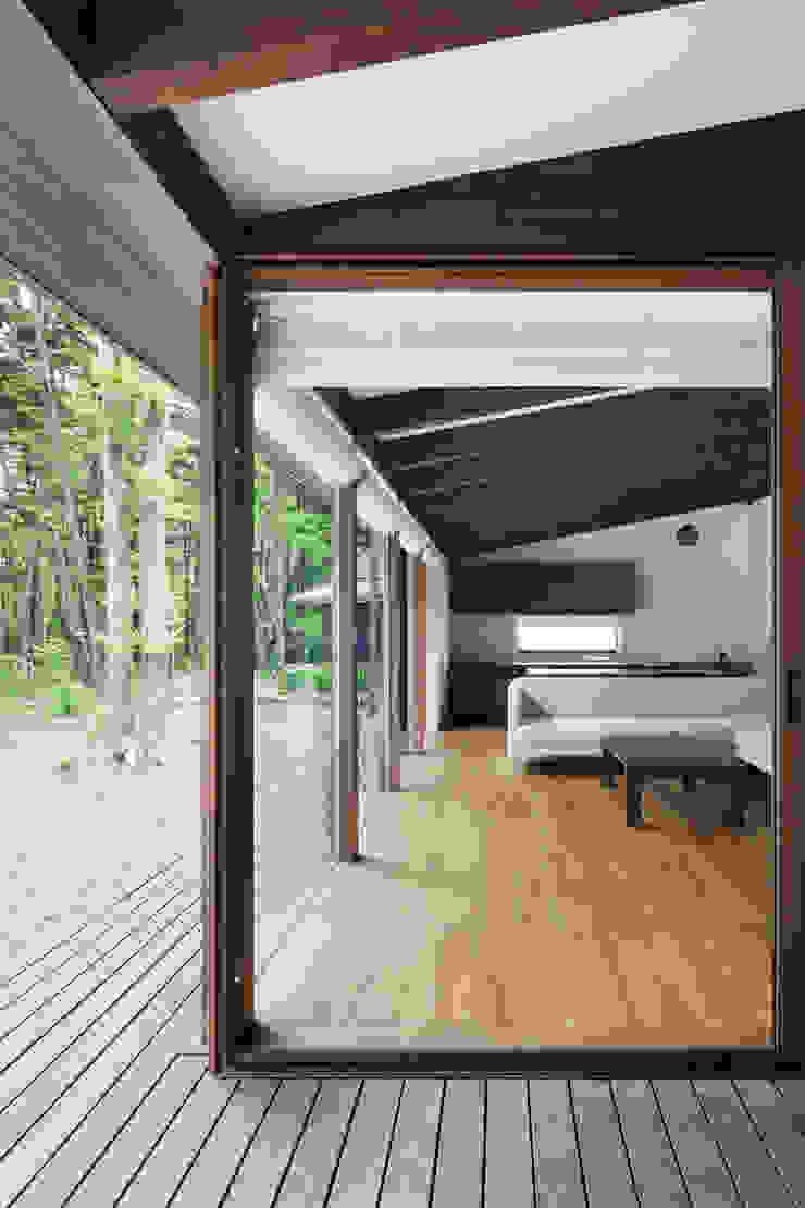 リビング~025軽井沢Sさんの家 和風デザインの リビング の atelier137 ARCHITECTURAL DESIGN OFFICE 和風 木 木目調