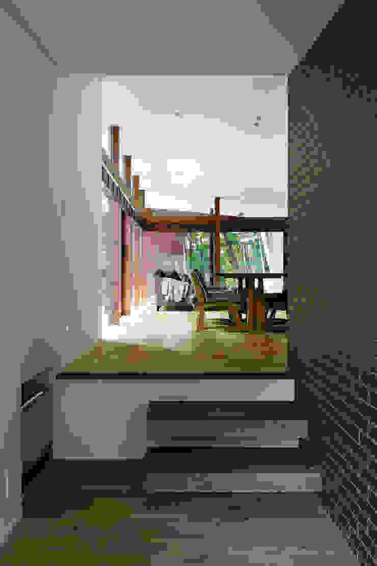 玄関ホール~029那須Hさんの家 北欧スタイルの 玄関&廊下&階段 の atelier137 ARCHITECTURAL DESIGN OFFICE 北欧