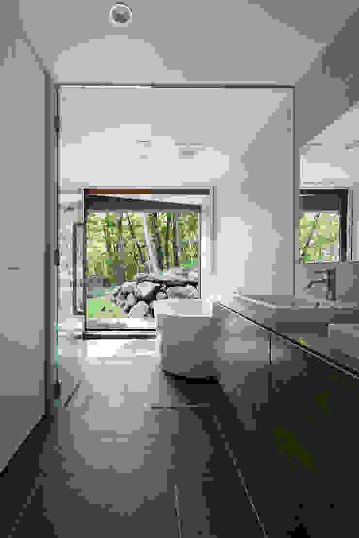 浴室~029那須Hさんの家 モダンスタイルの お風呂 の atelier137 ARCHITECTURAL DESIGN OFFICE モダン