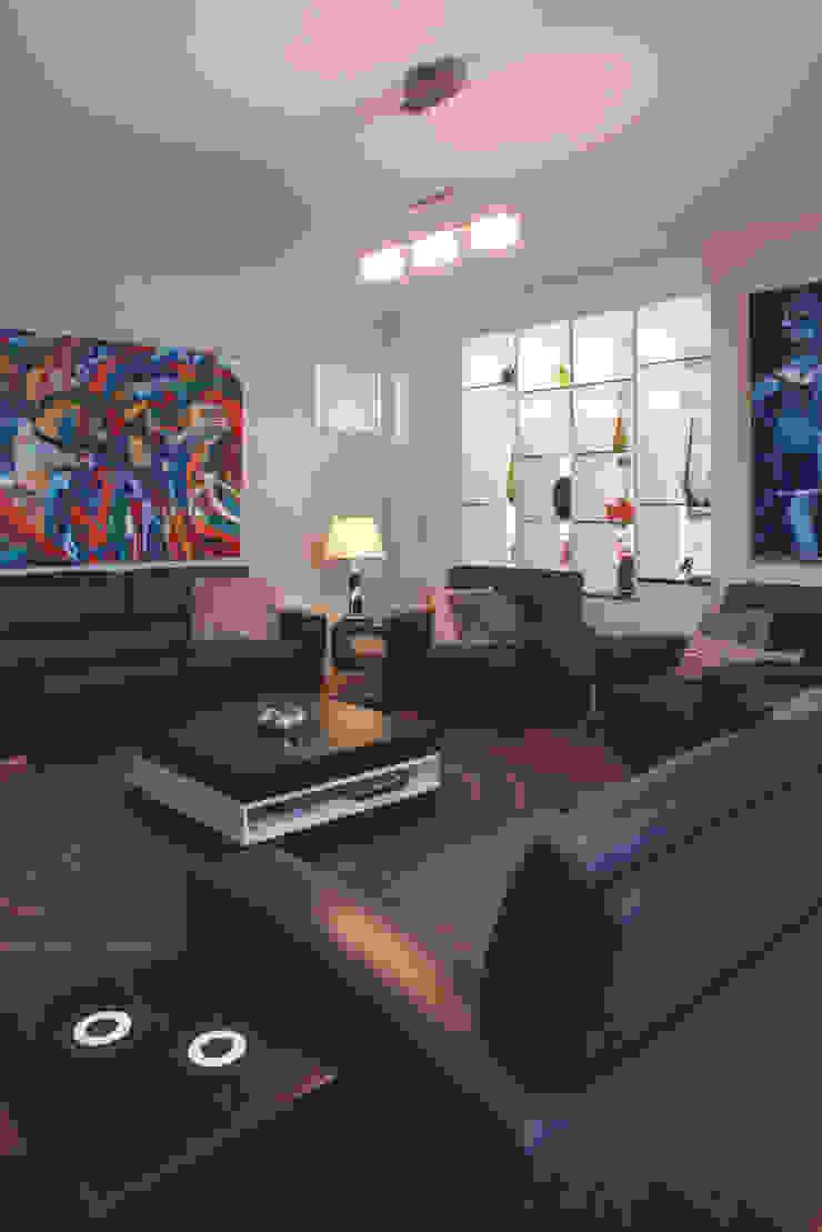 Karrinyup 1 Living Room Modern living room by Natasha Fowler Design Solutions Modern