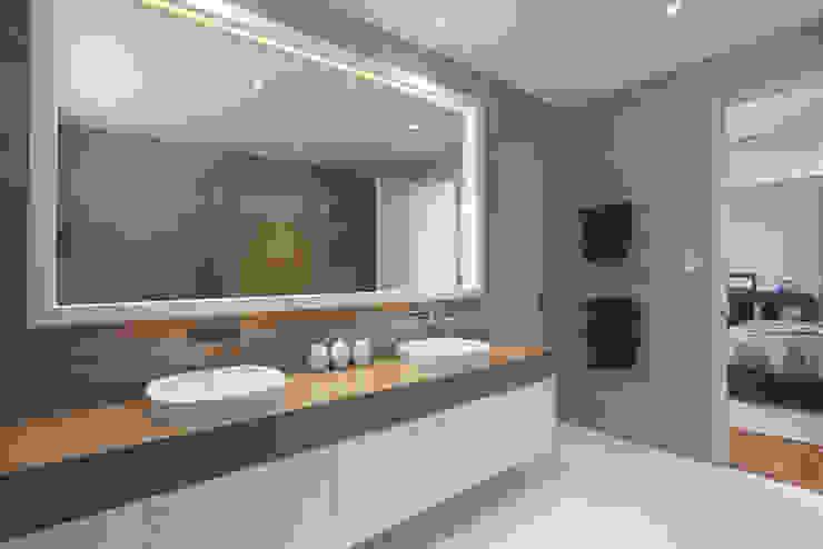 Karrinyup 8 Bathroom (Ensuite) Modern bathroom by Natasha Fowler Design Solutions Modern