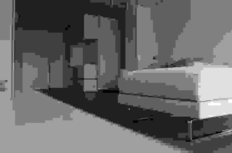 Casa LC Soggiorno moderno di EStudio Architettura Moderno