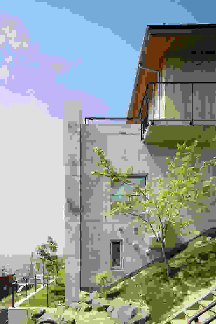 外観~甲府 I さんの家 北欧風 家 の atelier137 ARCHITECTURAL DESIGN OFFICE 北欧 コンクリート