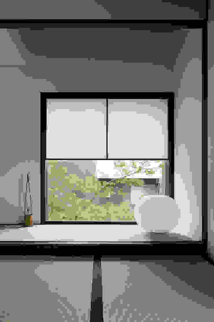 床の間~甲府 I さんの家 和風デザインの 多目的室 の atelier137 ARCHITECTURAL DESIGN OFFICE 和風 木 木目調