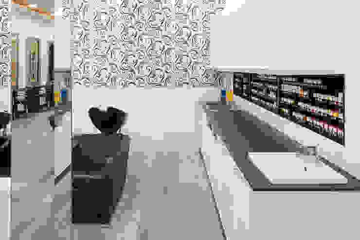 Salon Express 5 Colour Bench Modern shopping centres by Natasha Fowler Design Solutions Modern