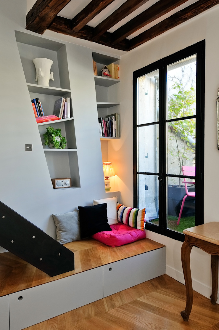Modern living room by Marion Rocher Modern