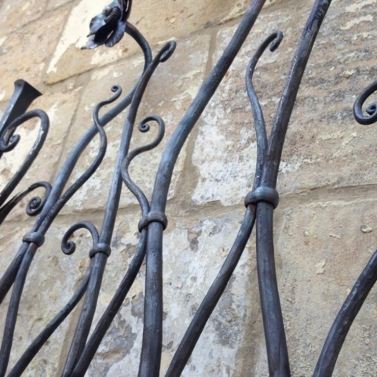 The Larkhall Anemome Gate by Ironart of Bath par Ironart Ltd