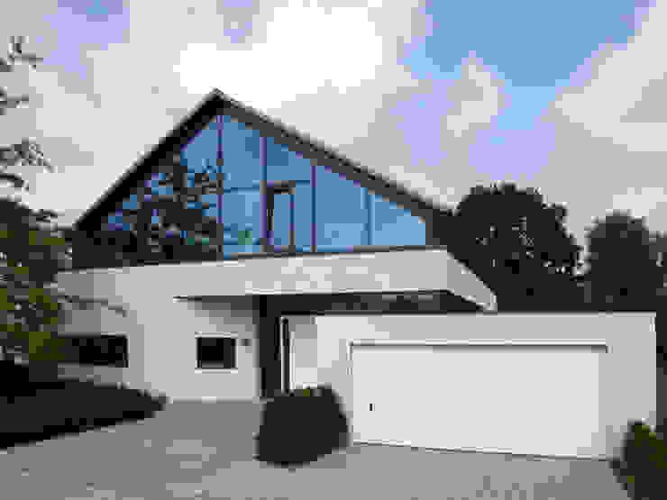 Ansicht Straße Moderne Häuser von Architekturbüro Sahle Modern