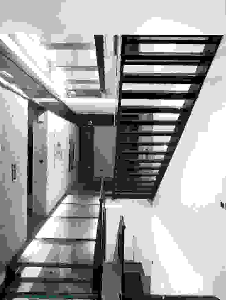 Treppe Moderner Flur, Diele & Treppenhaus von Architekturbüro Sahle Modern