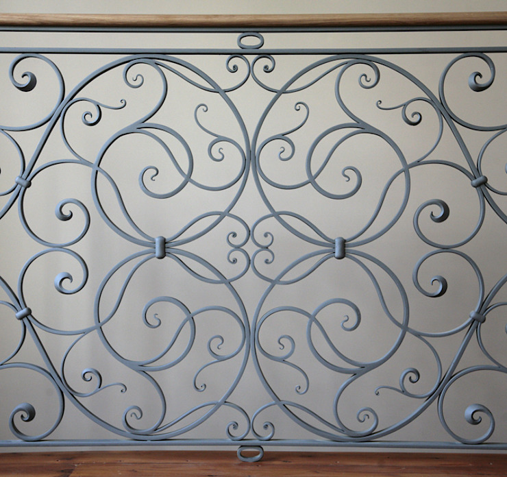 The Lansdown Balustrade by Ironart of Bath Ironart Ltd 陽台、門廊與露臺 配件與裝飾品