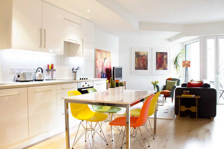 Hampstead Heath Apartment من Bhavin Taylor Design إنتقائي