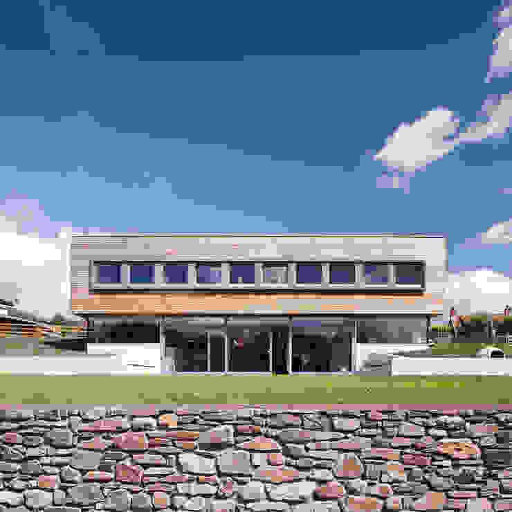 Sunnybank House, Coldingham Modern houses by Chris Humphreys Photography Ltd Modern