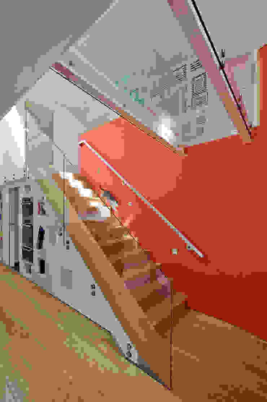 Sunnybank House, Coldingham Modern corridor, hallway & stairs by Chris Humphreys Photography Ltd Modern