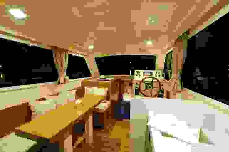 Pitrenta Special Yacht & Jet in stile moderno di Studiofuccaro Moderno