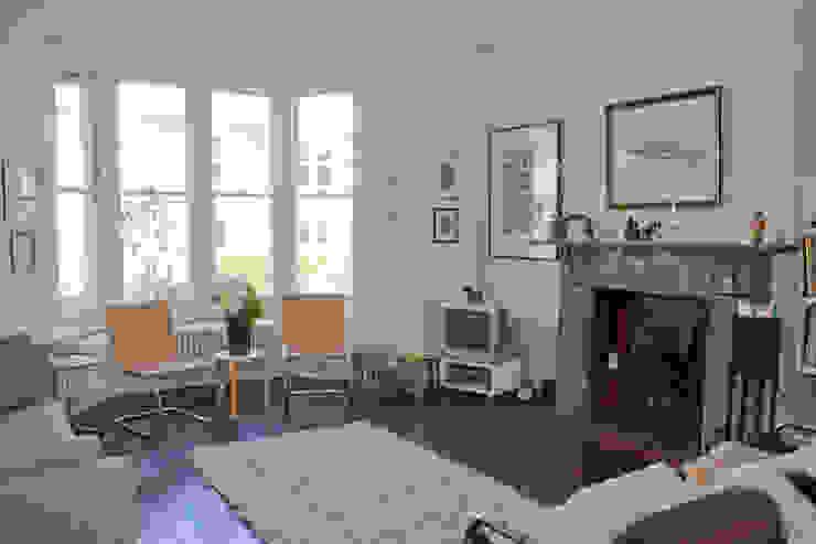 Living room Moderne woonkamers van Dittrich Hudson Vasetti Architects Modern