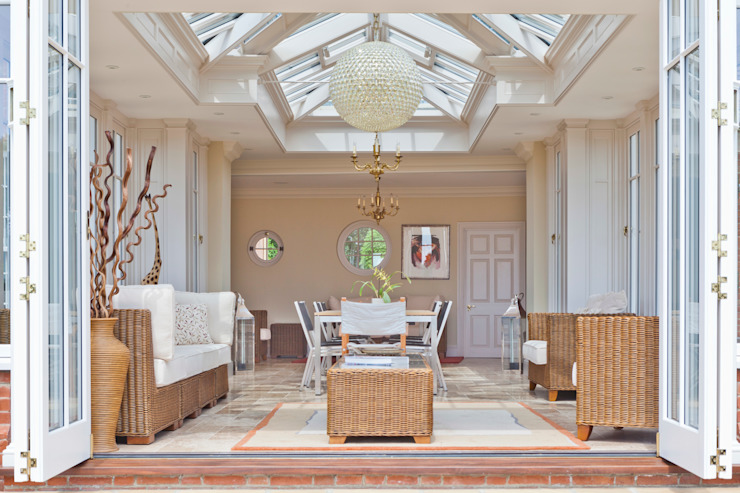 A Light Filled Sitting Room Conservatory Klassieke serres van Vale Garden Houses Klassiek