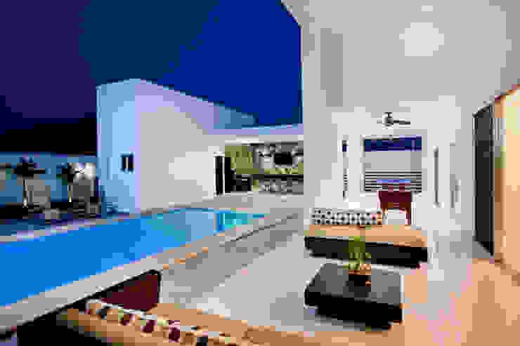 Terrazas de estilo  de Arturo Campos Arquitectos, Moderno