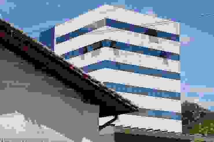 ZAAV-Edificio Comercial-1037 Casas minimalistas por ZAAV Arquitetura Minimalista
