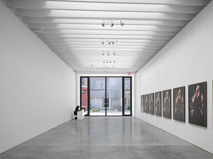 Paul Kasmin Gallery, New York studioMDA Allestimenti fieristici in stile minimalista