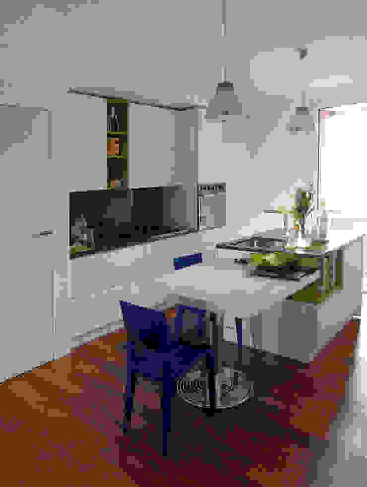 Cucina Cucina minimalista di gk architetti (Carlo Andrea Gorelli+Keiko Kondo) Minimalista