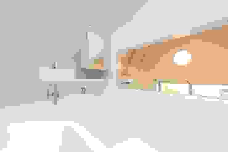 マルコビッチな家 オリジナルスタイルの お風呂 の SASAKI YOSHIKI ARCHITECTS STUDIO オリジナル