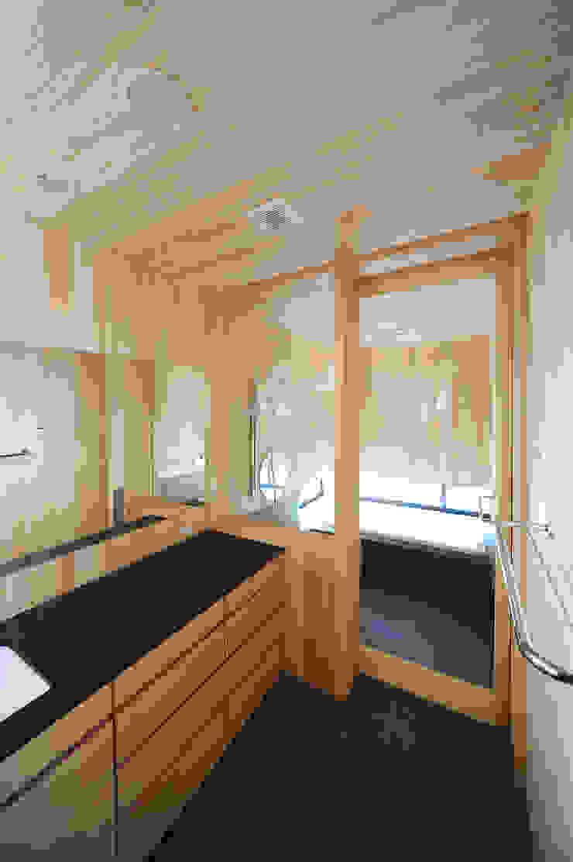 洗面所・浴室 モダンな 家 の class モダン