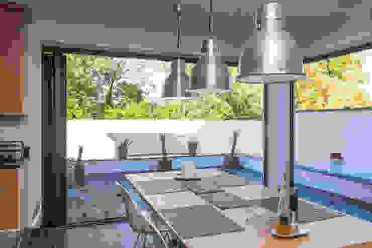 4 Farrar Lane Modern kitchen by Studio J Architects Ltd Modern
