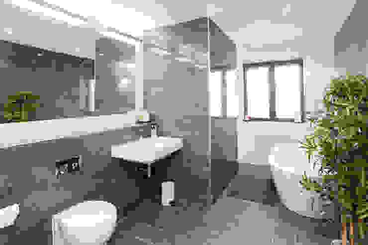 4 Farrar Lane Modern bathroom by Studio J Architects Ltd Modern