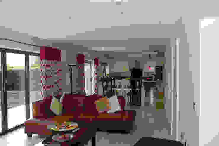 Alwoodley Lane Modern kitchen by Studio J Architects Ltd Modern