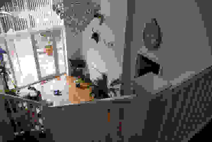 48 Farrar Lane Modern corridor, hallway & stairs by Studio J Architects Ltd Modern