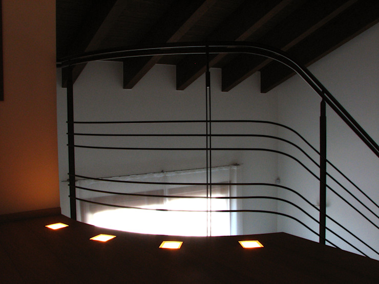 Casa Privata Ingresso, Corridoio & Scale in stile minimalista di A+R Architects Minimalista