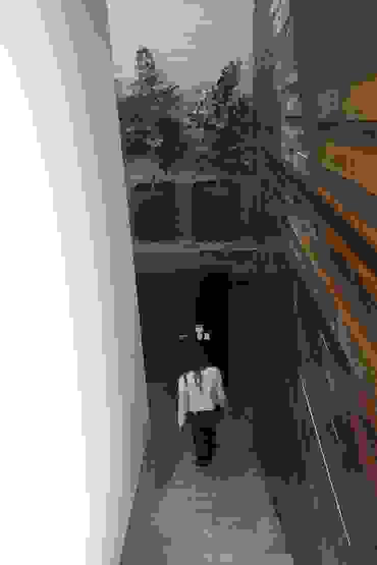 ZAAV Arquitetura Koridor & Tangga Minimalis