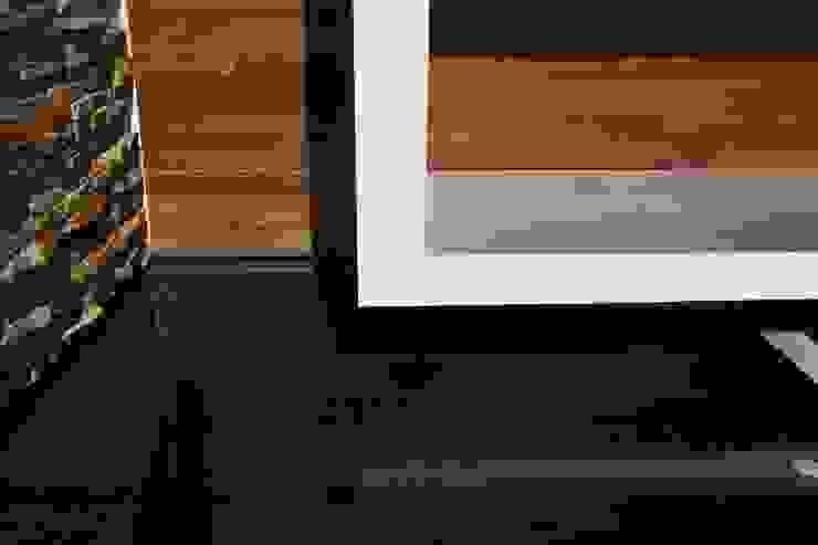 ZAAV Arquitetura Dinding & Lantai Minimalis