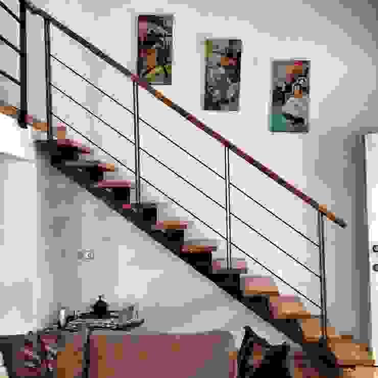 Yum Evi Merdivenler Modern Oturma Odası 5 dakika Deneyim Tasarımı / Experience Design Modern