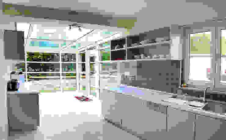 Kitchen by 5 dakika Deneyim Tasarımı / Experience Design, Modern