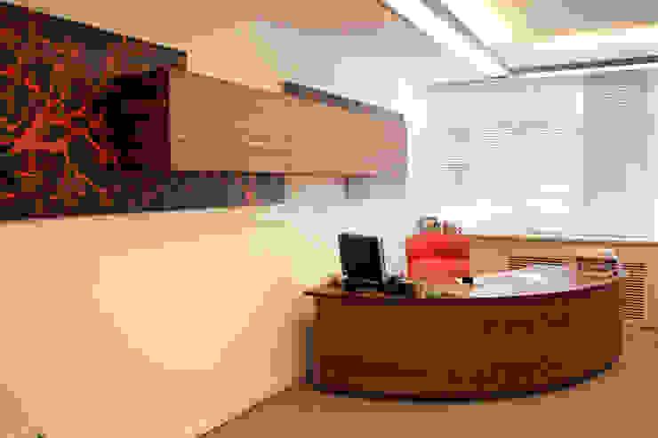 5 dakika Deneyim Tasarımı / Experience Design – Akare Ofisi:  tarz Ofis Alanları,