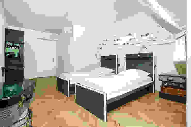 Zimmer Nr. 6: Forrest Gump Ausgefallene Hotels von gabarage upcycling design Ausgefallen