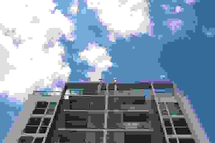 Balcon, Veranda & Terrasse minimalistes par ZAAV Arquitetura Minimaliste