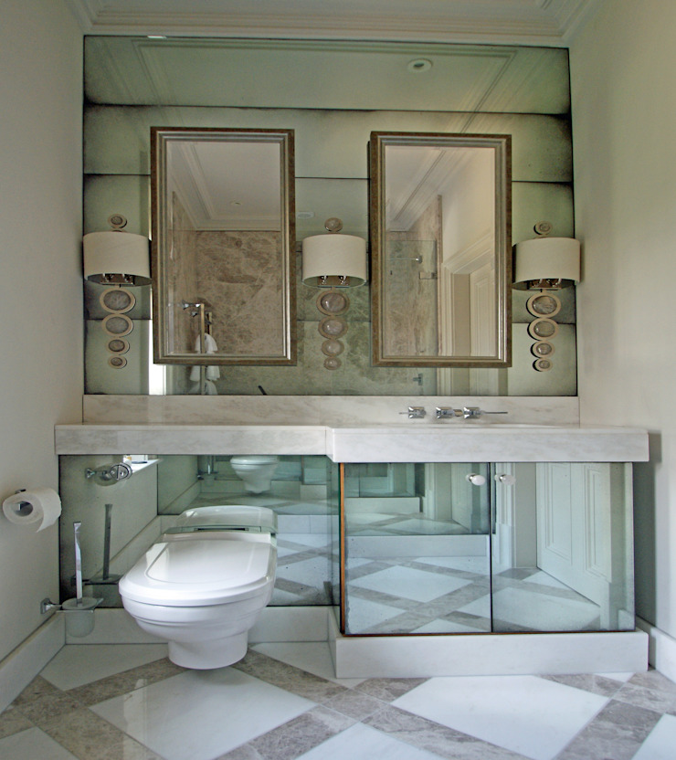 Antique mirror splashback for cloakroom モダンスタイルの お風呂 の Mirrorworks, The Antique Mirror Glass Company モダン