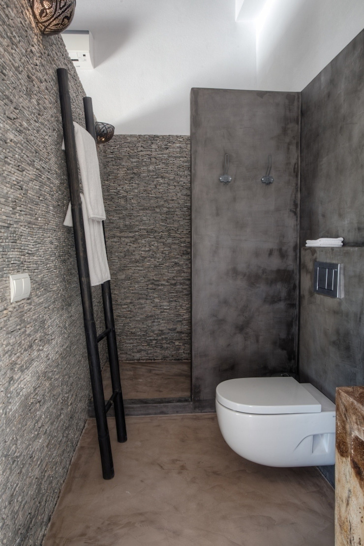 Eclectic style bathroom by Kabaz Eclectic
