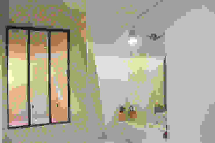 Suite parentale - SDB Salle de bain minimaliste par Yeme + Saunier Minimaliste