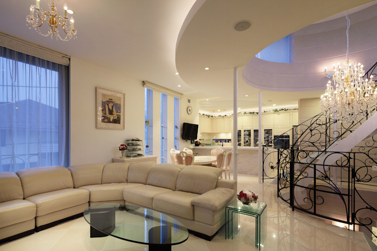 CASA CIELO Y MAR 地中海デザインの リビング の 菅原浩太建築設計事務所 地中海