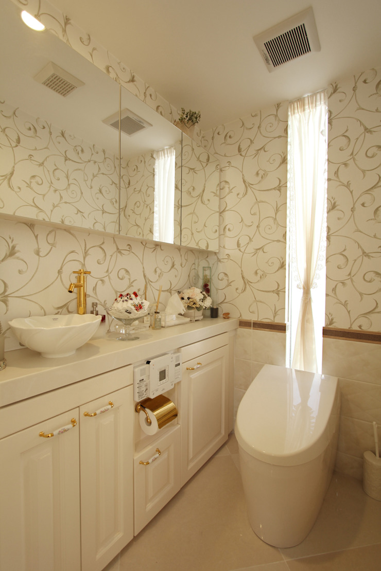 Mediterranean style bathrooms by 菅原浩太建築設計事務所 Mediterranean