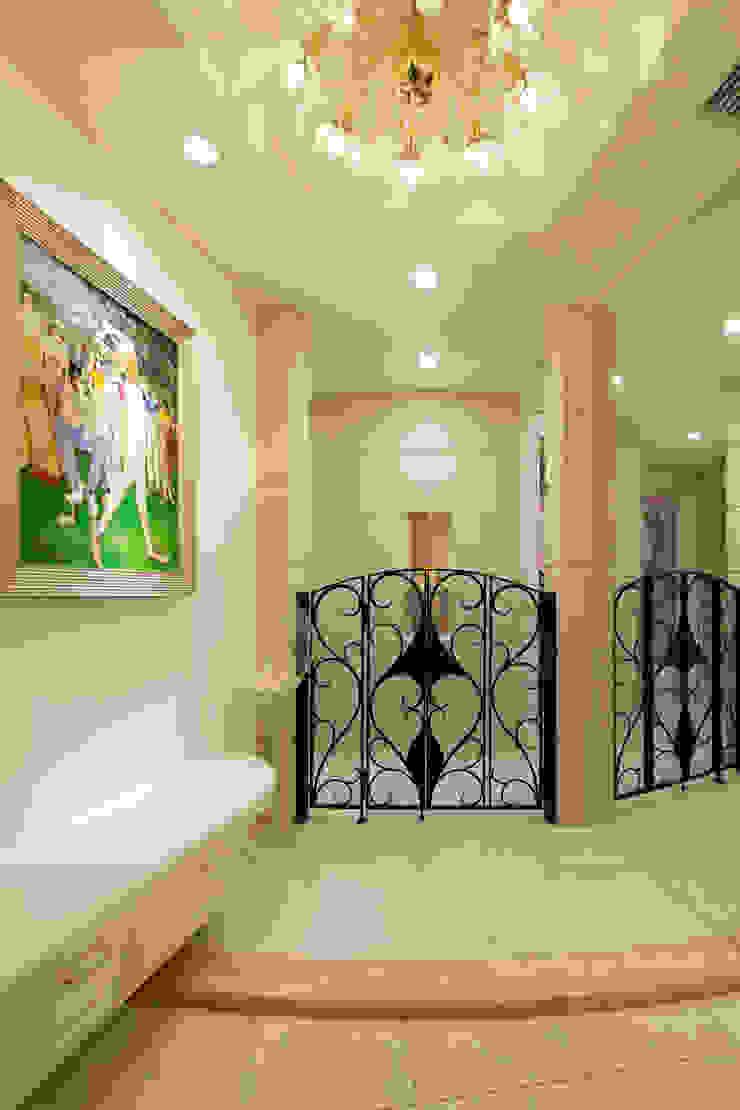 CASA CIELO Y MAR 地中海スタイル 玄関&廊下&階段 の 菅原浩太建築設計事務所 地中海