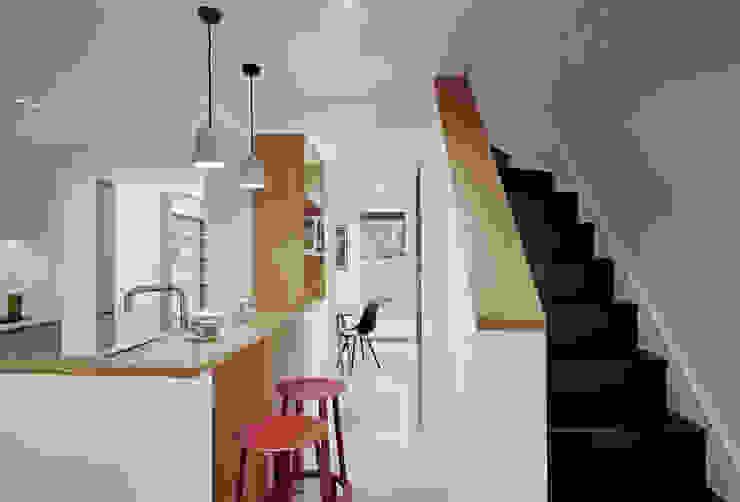 Breakfast Bar by ABN7 Architects Сучасний